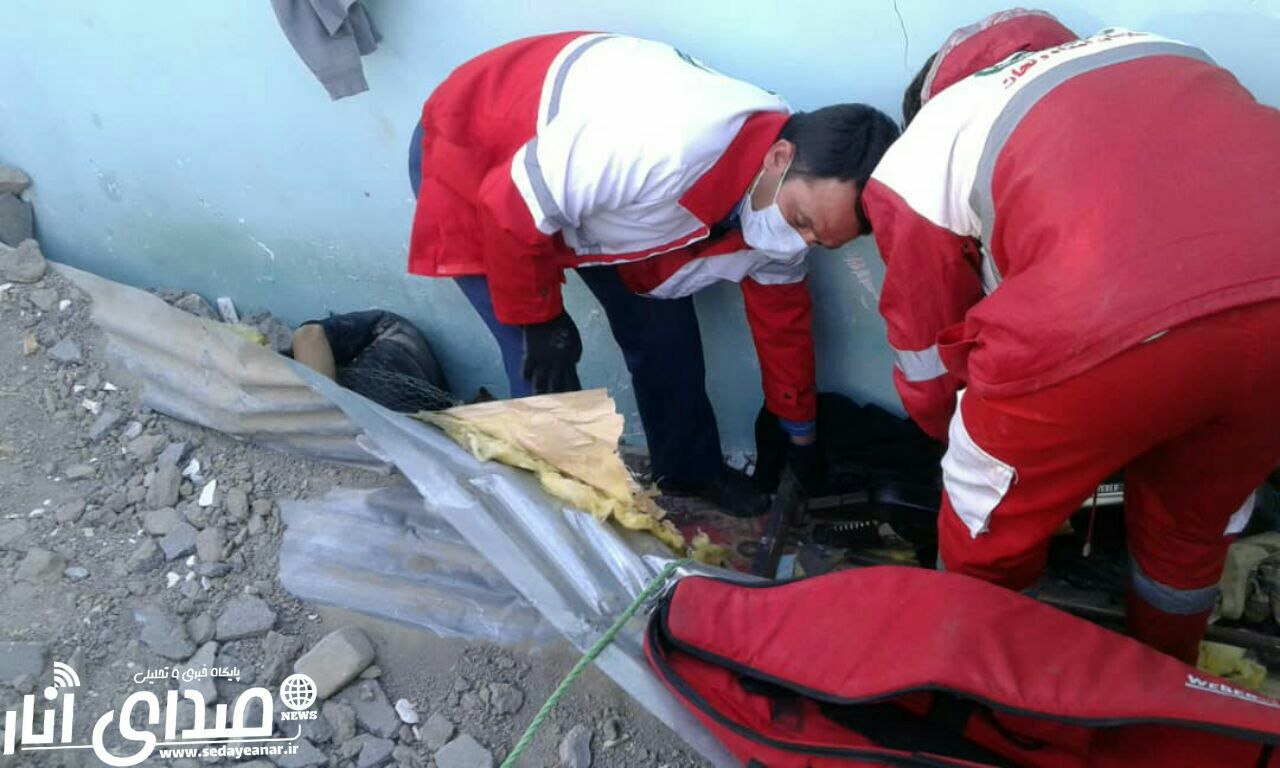 ریزش دیوار در روستای بیاض حادثه آفرید