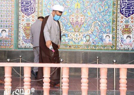 عطرافشانی قبور شهدای انار به مناسبت هفته امر به معروف و نهی از منکر/تصاویر