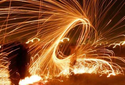 اعتراض مردم به صدای انفجار شبانه و آتش بازی در عروسی ها در انار