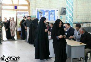 گزارش تصویری از حضور حماسی مردم انار در پای صندوق های رای