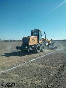 تسطیح و آماده سازی زمین خاکی فوتبال مجموعه ورزشی قدیم شهید طالبی در ساقی