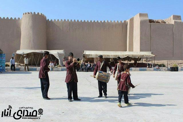 سری اول تصاویر جشنواره پسته اکبری در انار