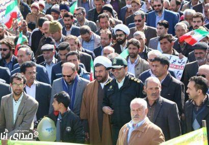 عکسهای منصور زارع و نسرین عسکری از راهپیمایی ۲۲ بهمن/حرکت لشکر سلیمانی در انار