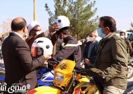 توزیع ۱۵۰ کلاه ایمنی بین موتورسواران اناری+تصاویر